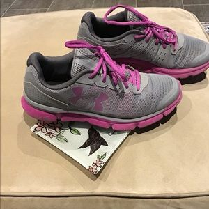 Under Armour athletic shoes with Micro G EUC